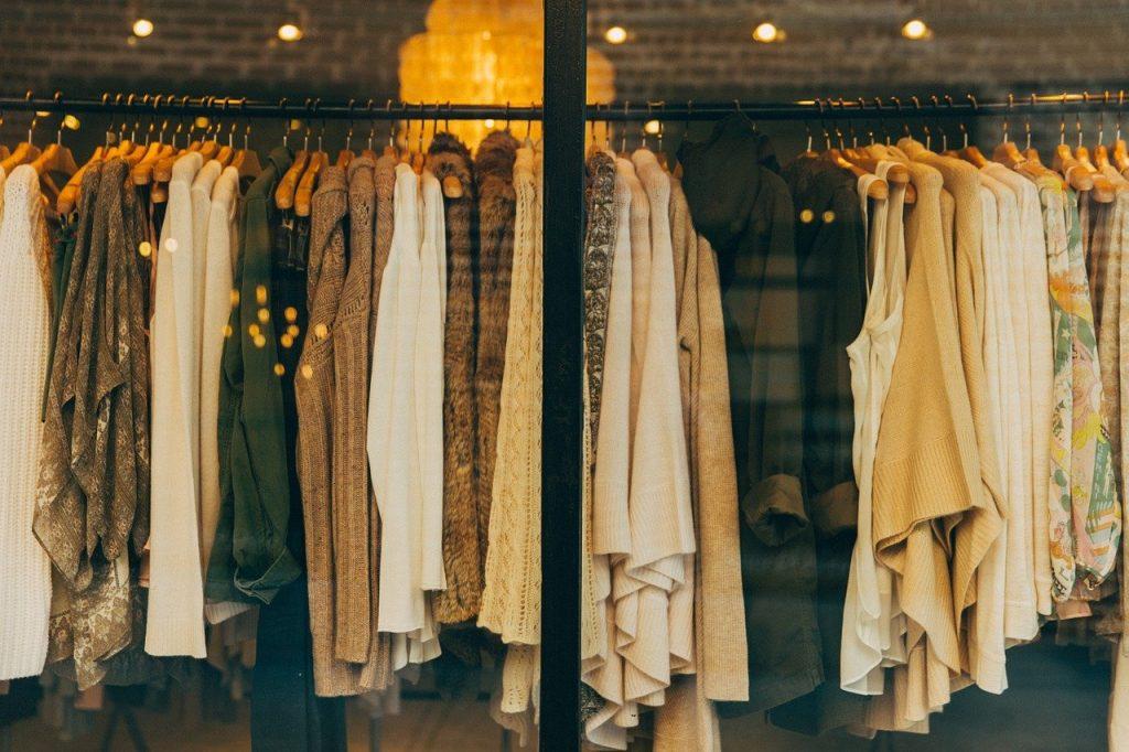 wystawa-w-sklepie-odzieżowym